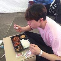 布川的故事很精彩 韩范帅男生qq头像