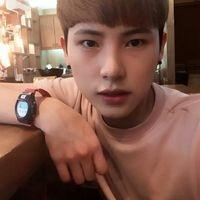 我不唱声嘶力竭的情歌_韩系帅气男生头像