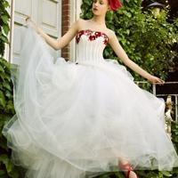 穿上了婚纱我就是最幸福的