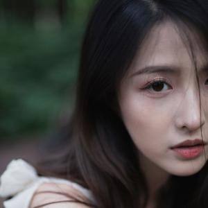 森林中的美女头像