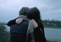 当我难过的时候 我只要一个拥抱就好